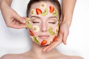 owoce na twarzy